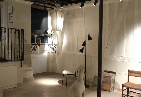 Murs de boutique 75004